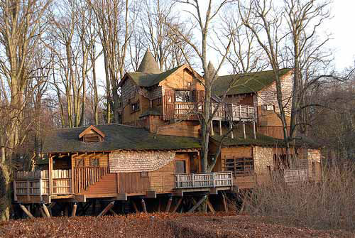 Biggest Treehouse In The World world's largest tree house - gallery | ebaum's world