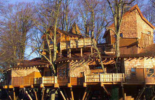 Biggest Treehouse In The World 2013 world's largest tree house - gallery | ebaum's world