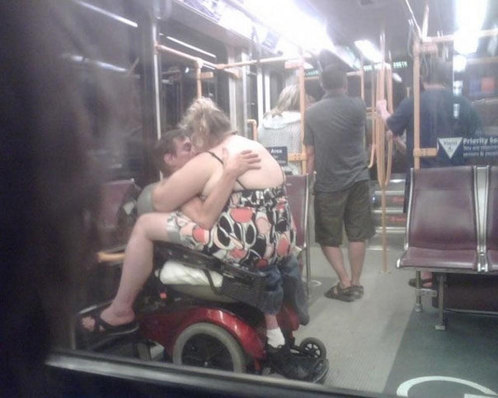 Секс пассажиров в поезде 14 фотография