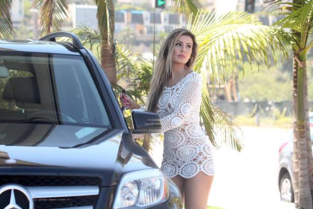 9 - The Internet Goes Nuts After Seeing Ana Braga At The Gas Station