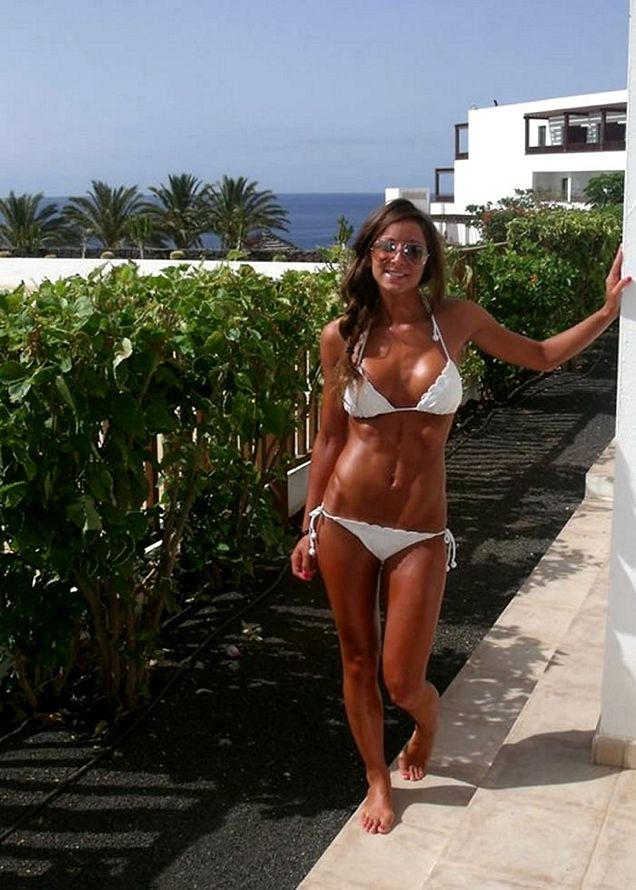 tan milf with an awesome body   picture ebaum s world