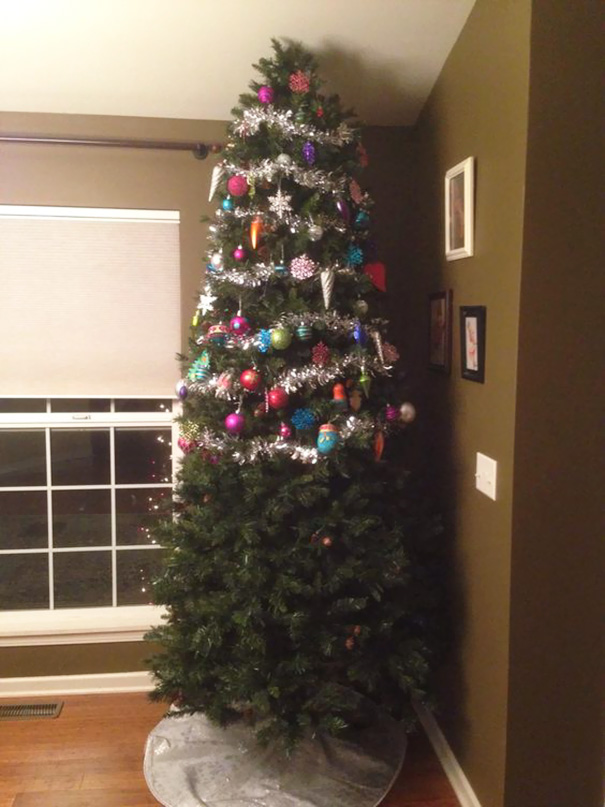 20 Genius Examples Of People Pet Proofing Their Christmas Trees ...