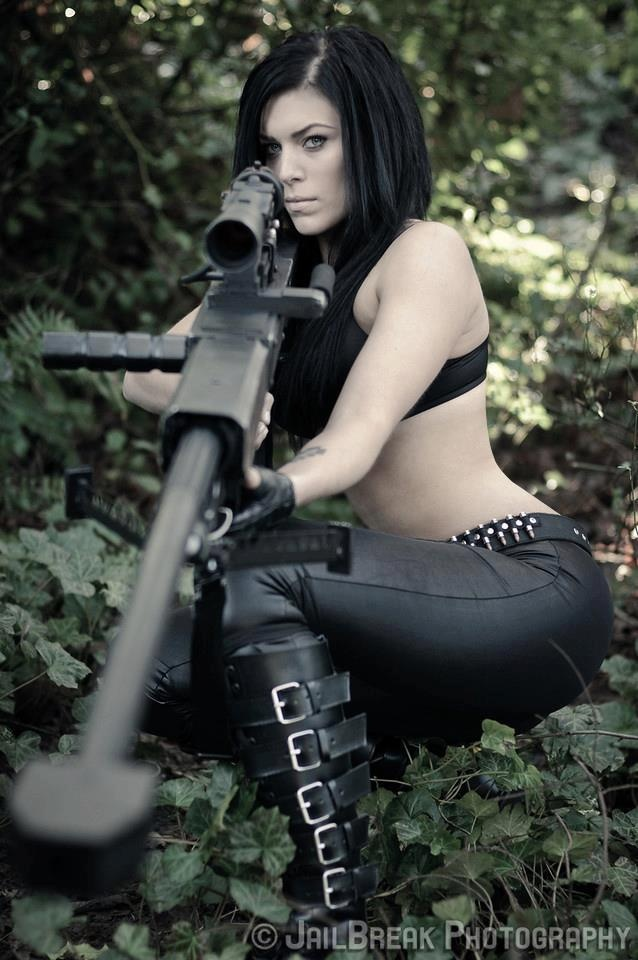 Ebony with naked guns girls