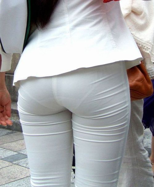 Sexy milf in line with tight slacks