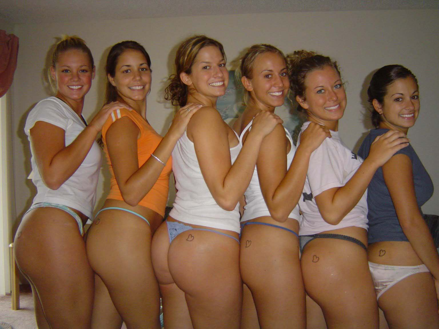 nude female bottomless groups