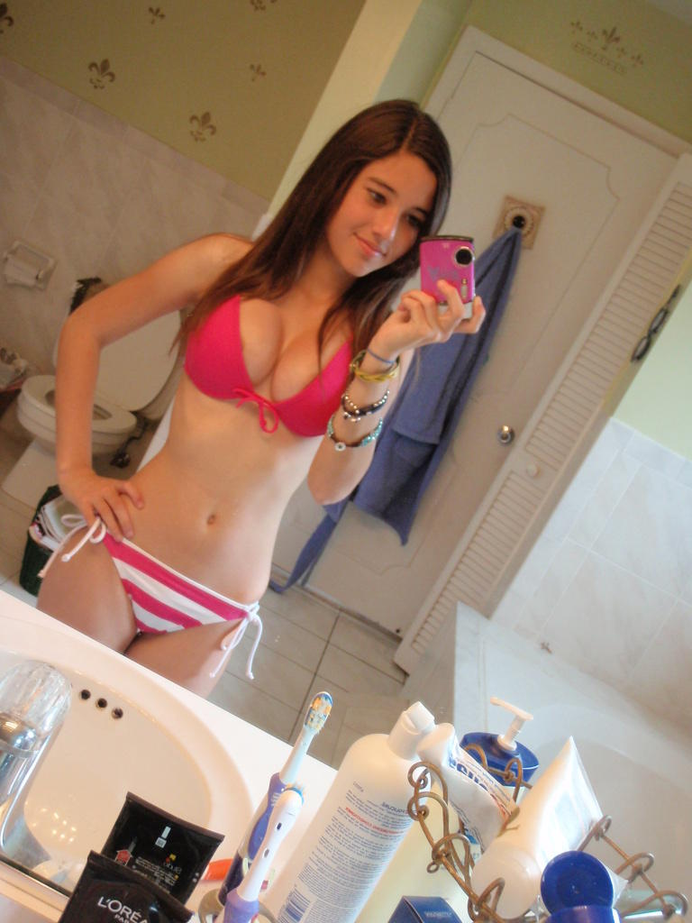 18yr old teen chloe stripping and dancing naked 8
