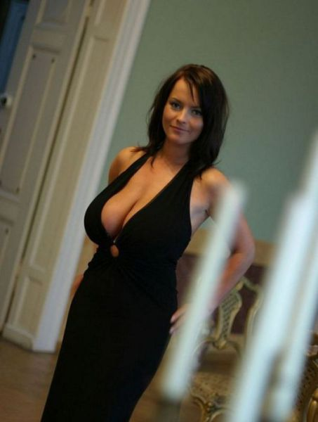Middle Age Cougar Cleavage