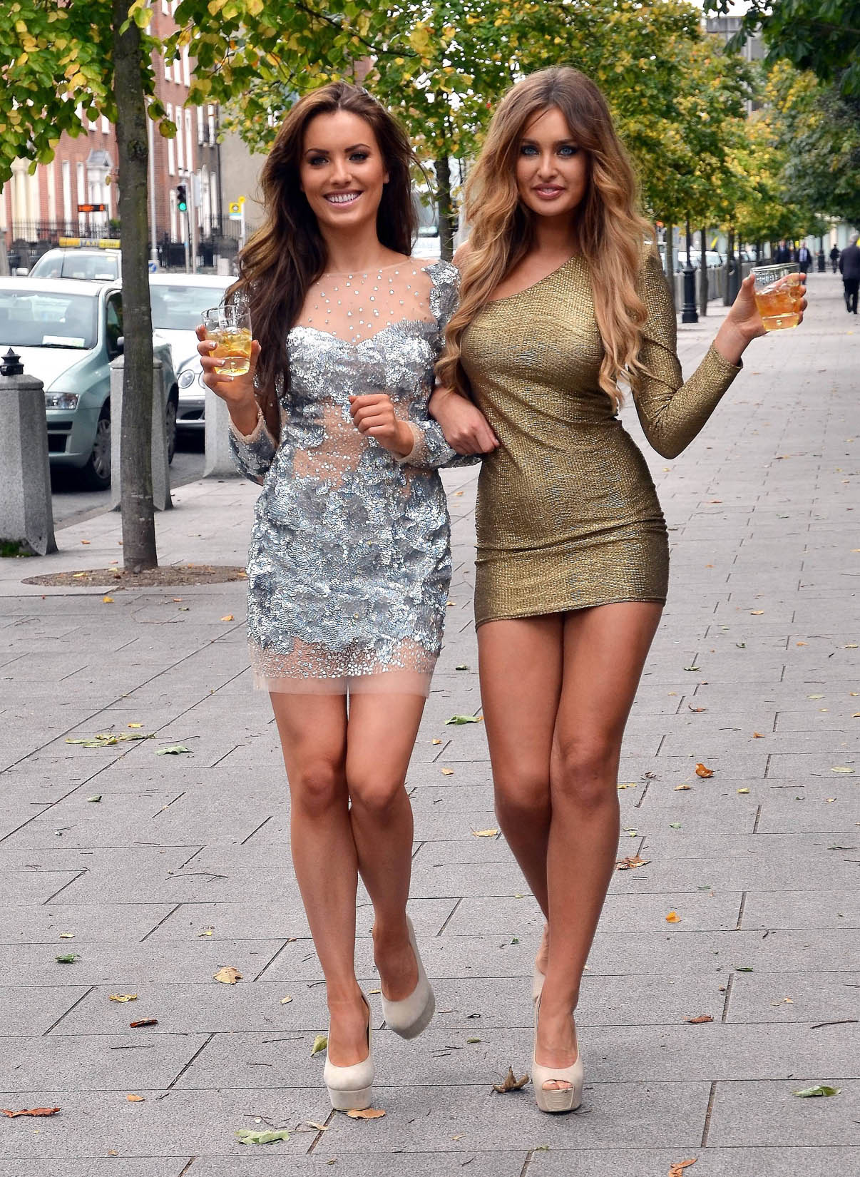 Сексуальные девочки в платье 26 фотография