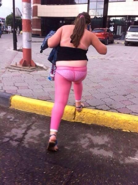 сиськастые толстухи в обтягивающих джинсах фото