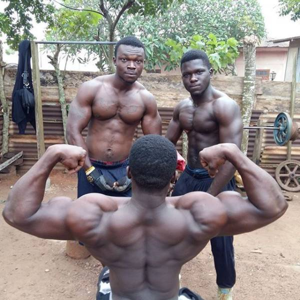 14 - In Africa They Don't Need A Real Gym –