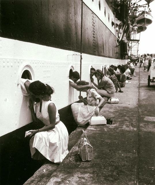 29 - WW2 Kiss goodbye photo