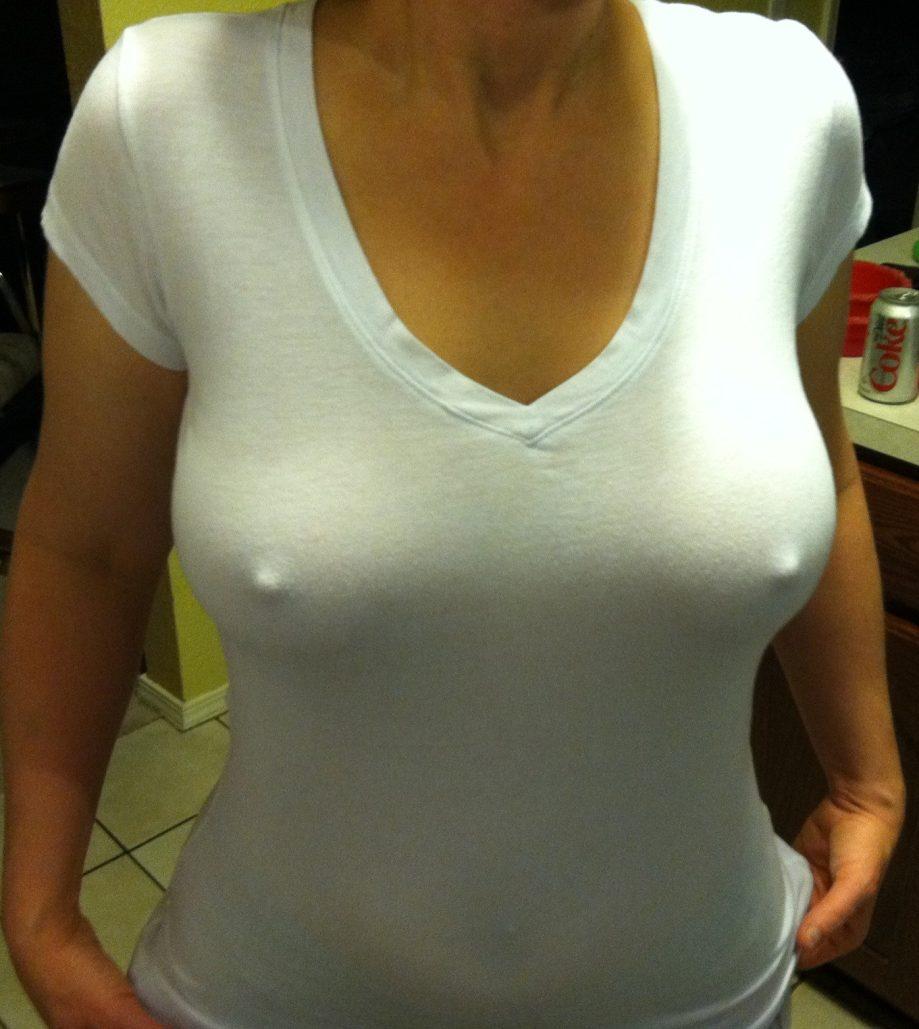 Huge tits no bra