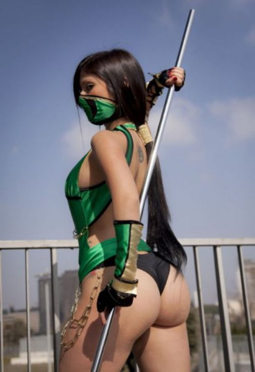 4 - 52 Instances Of  Sexy Cosplay