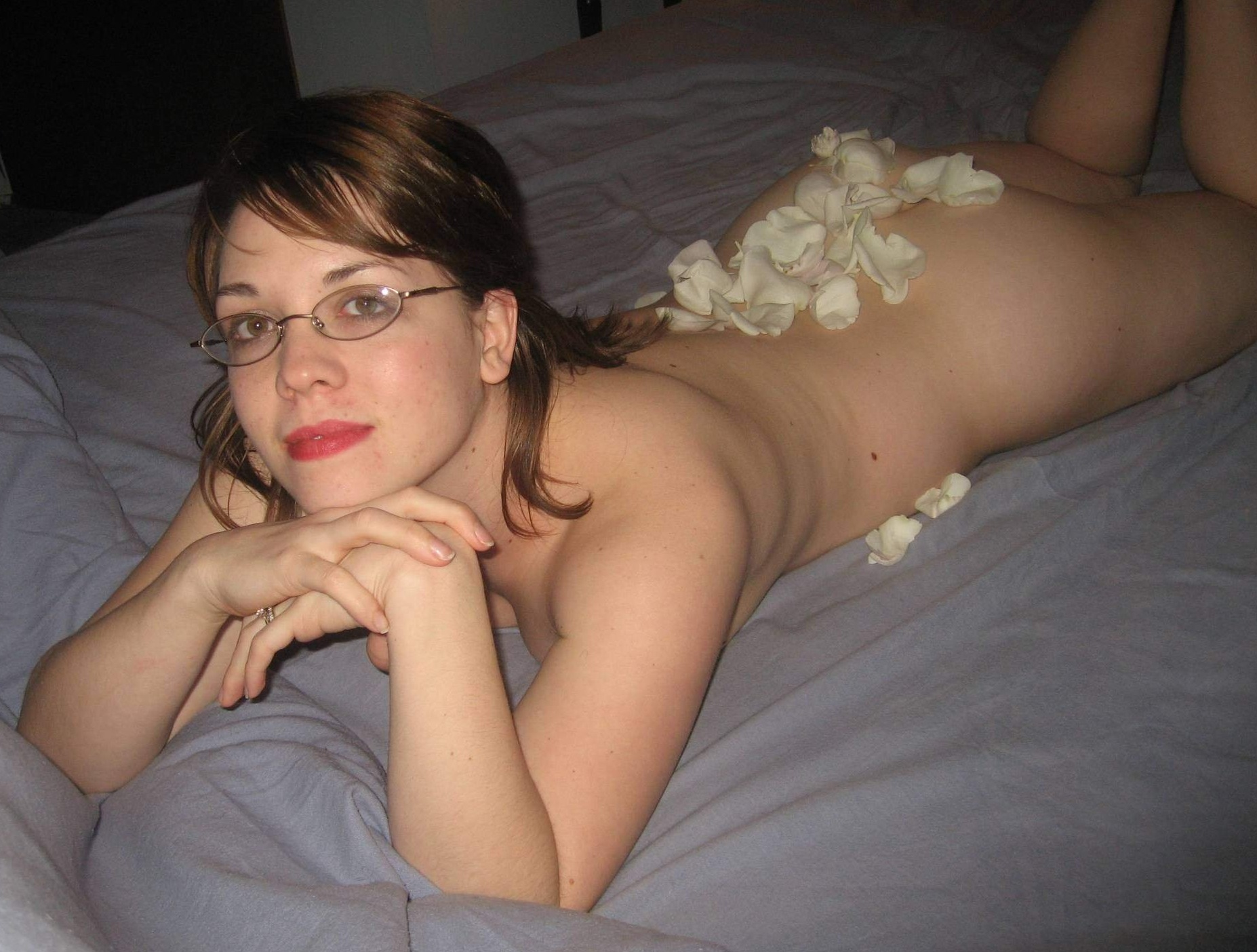 nude in bed