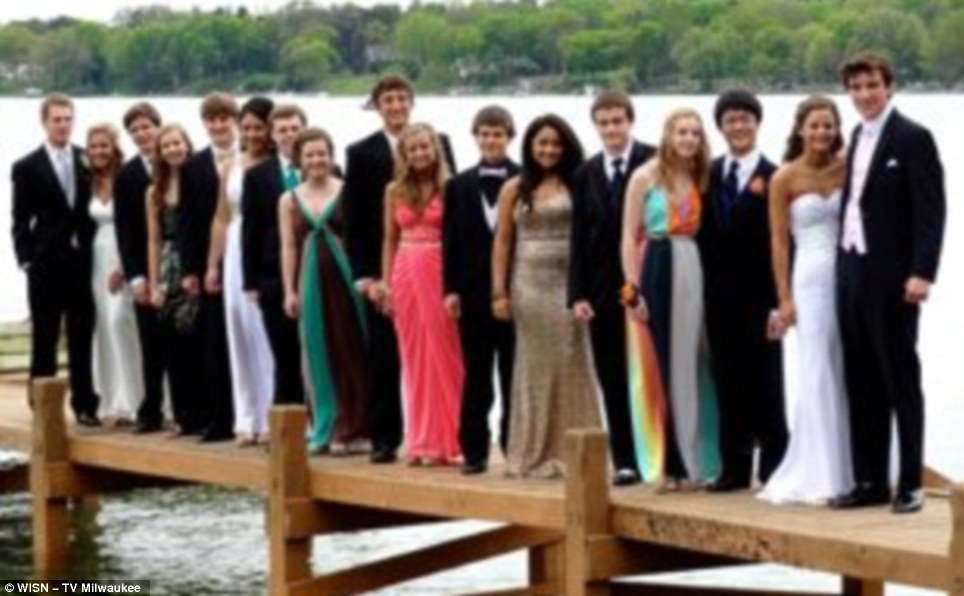 Pier Collapses While Teens Pose For Prom Pictures - Gallery ...
