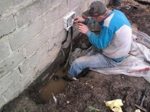 Natural Selection At Work Darwin Awards Gallery EBaums World - 22 people surely win darwin award