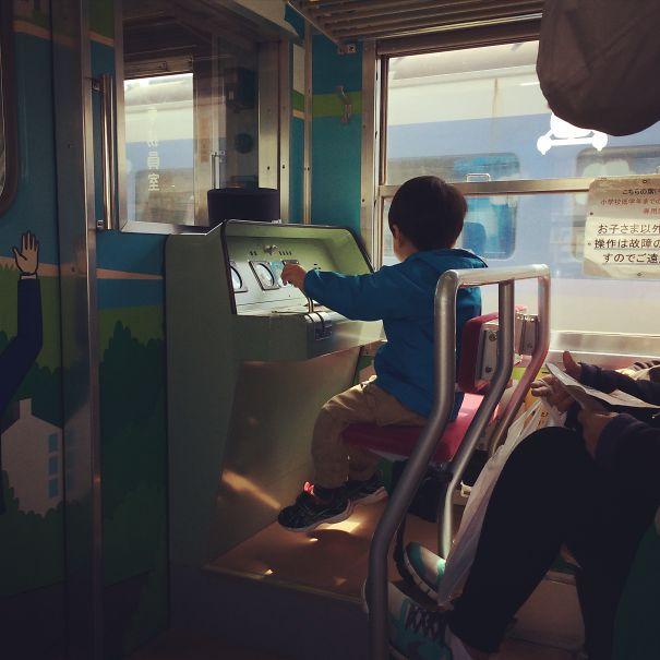 31 - Kid's seat on Fujikyu Railway.