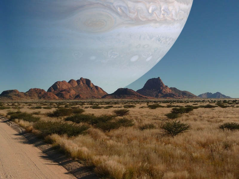 6 - If Jupiter was as close to Earth as the Moon