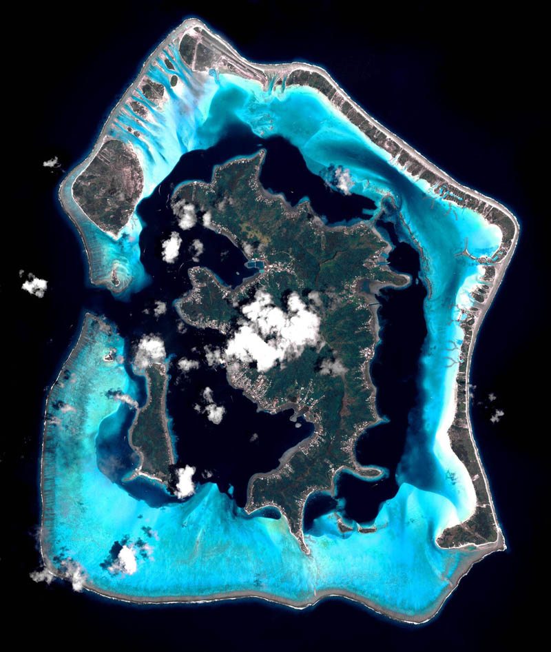 39 - Bora Bora from space Pleiades France