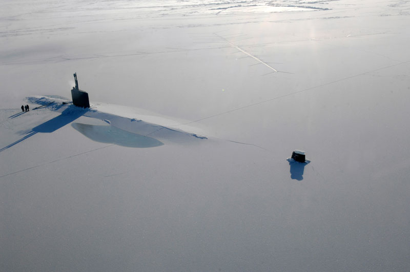 46 - Uss Annapolis Submarine surfaces in the Arctic
