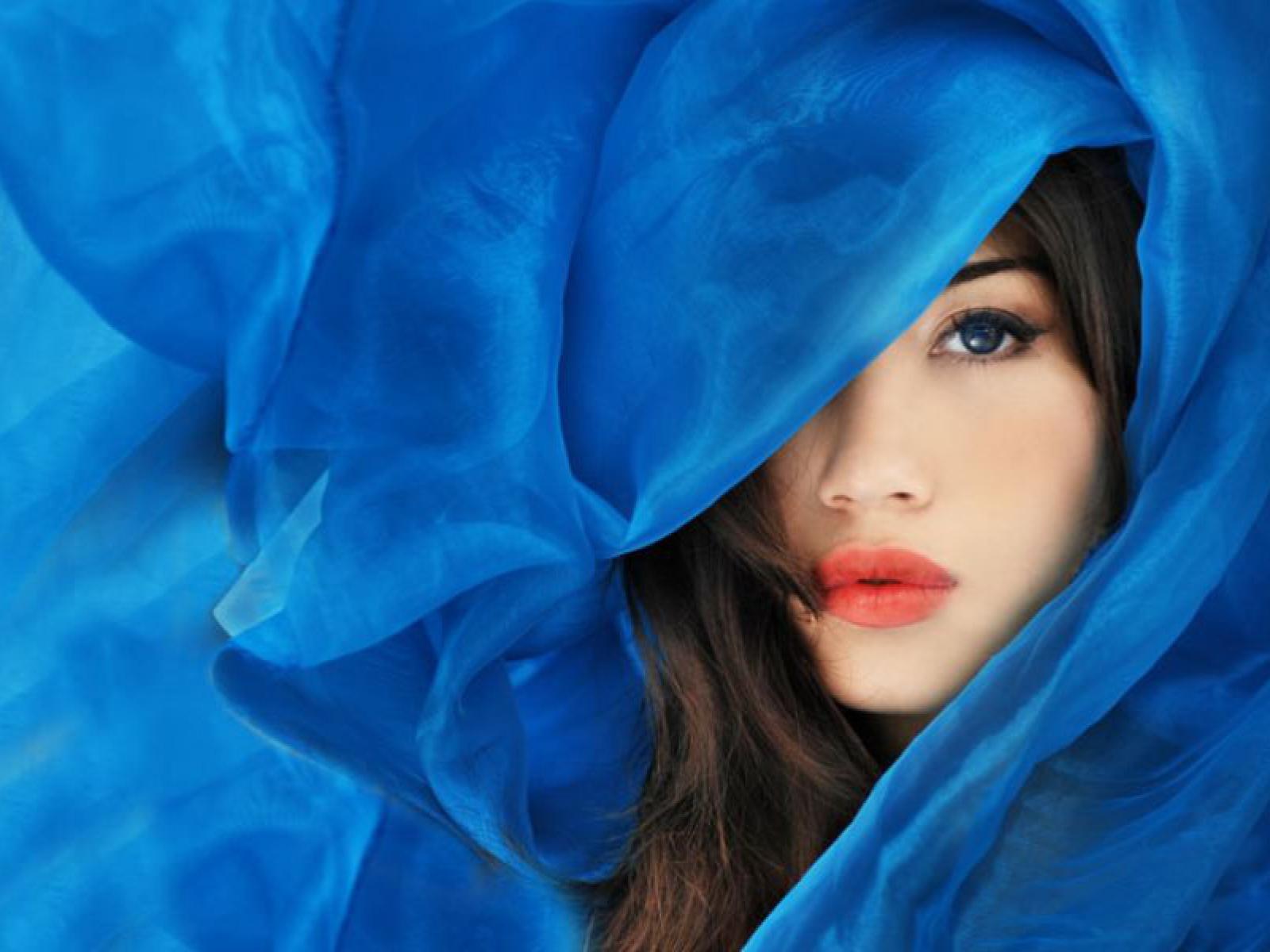 Фото девушек в синих 9 фотография