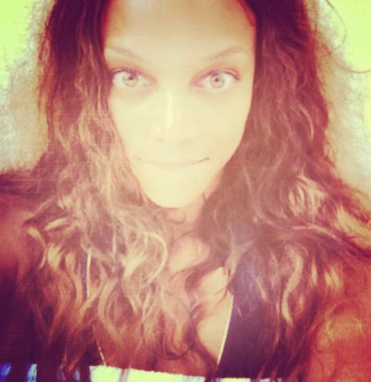 327 Good Selfie Quotes & Funny Captions | Appamatix