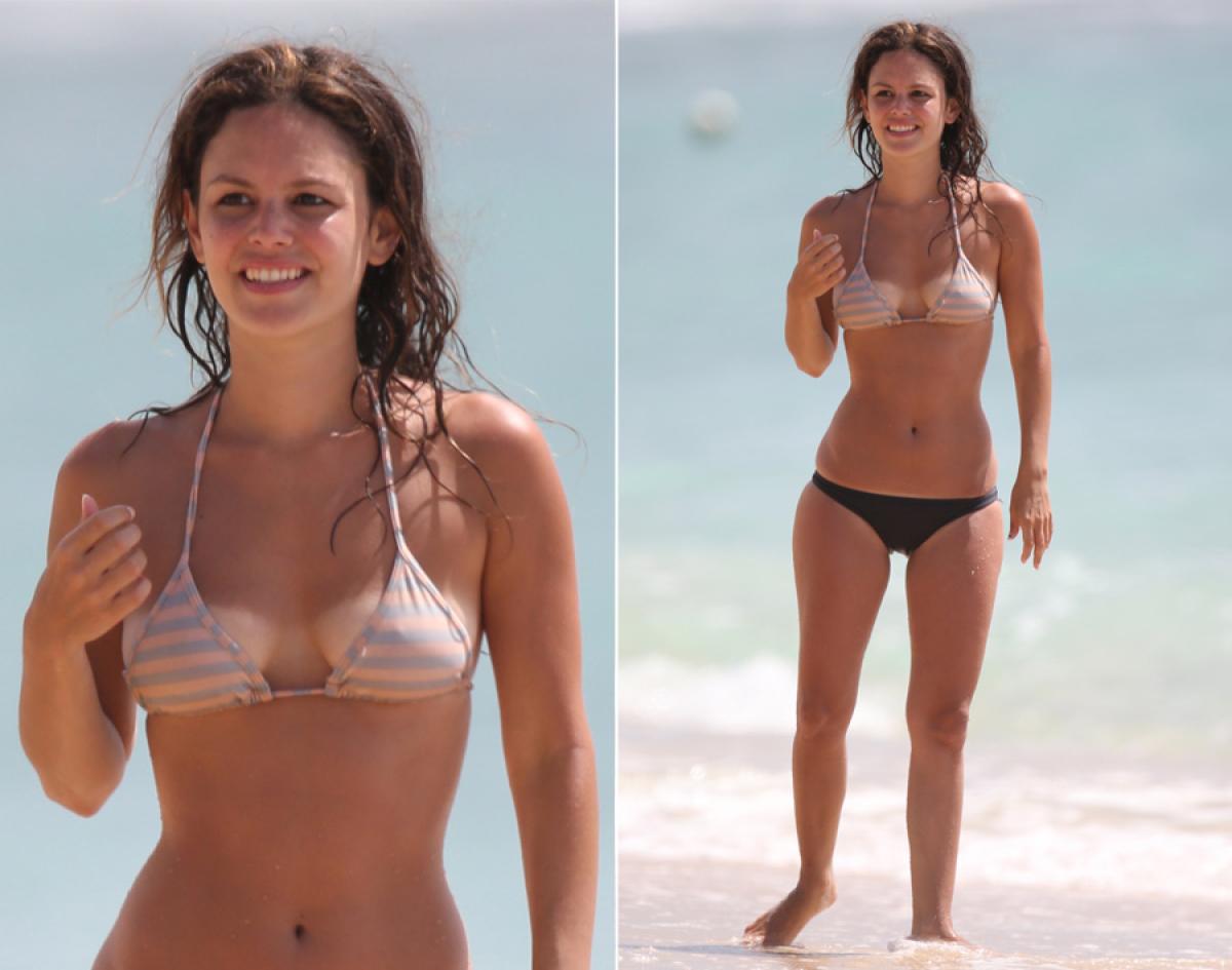 naked women bikini tan lines