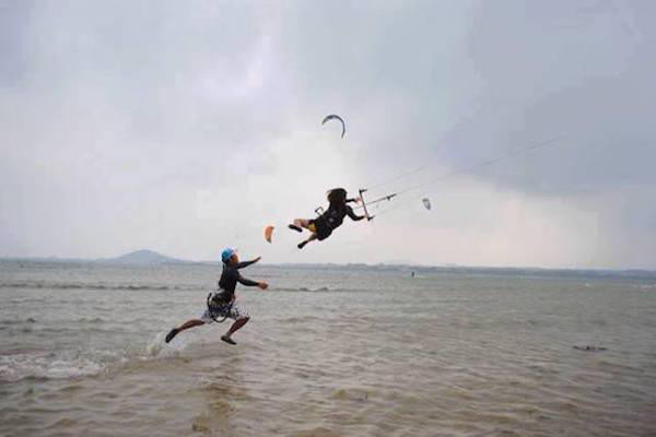 diaforetiko.gr : 84714196 32 Στιγμές που ο άνεμος έπαιξε άσχημα παιχνίδια στην ζωή μας. Δείτε τι έπαθαν…