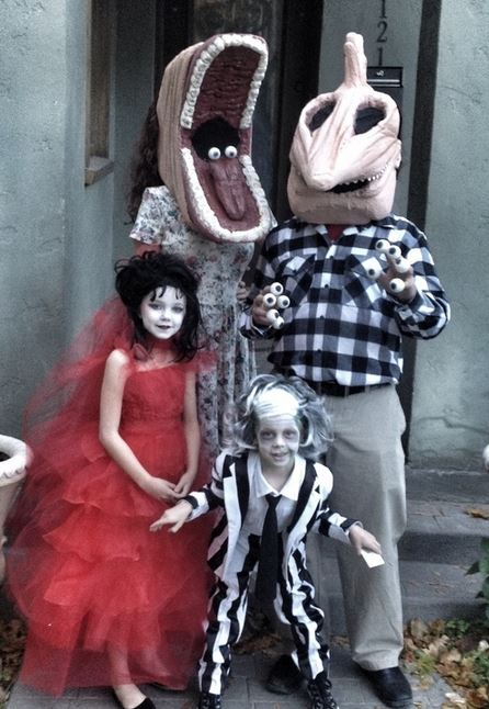 7 the 23 greatest family halloween costumes ever