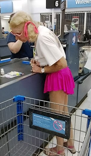 19 - Crazy People Of Walmart