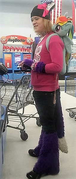 24 - Crazy People Of Walmart
