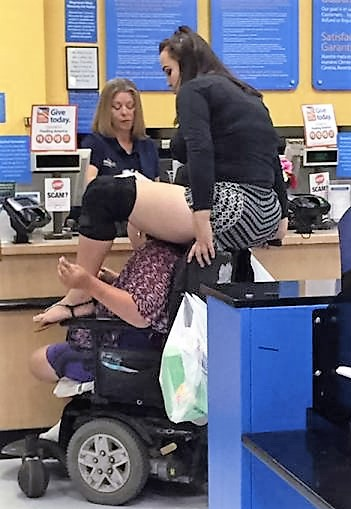 30 - Crazy People Of Walmart