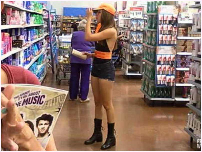 34 - Crazy People Of Walmart