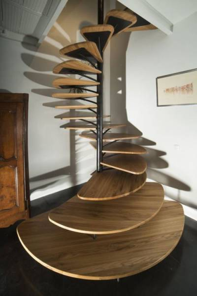 35 - Amazing spiral staircase that was very well planned and thought out.