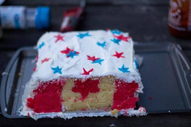 4 - Cake of the American flag with the Canadian flag inside it.