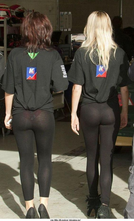 3 - 30 Reasons To Love Yoga Pants
