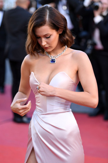 8 - 26 Hollywood Celebrity Wardrobe Malfunctions