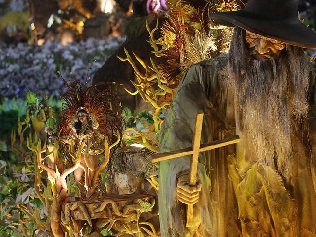 25 - Brazilian Carnival 2014