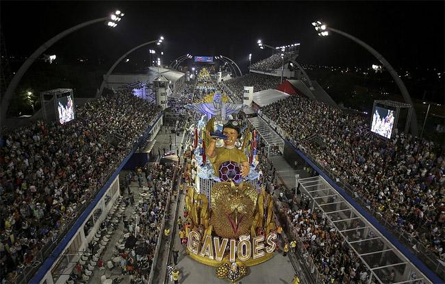 27 - Brazilian Carnival 2014