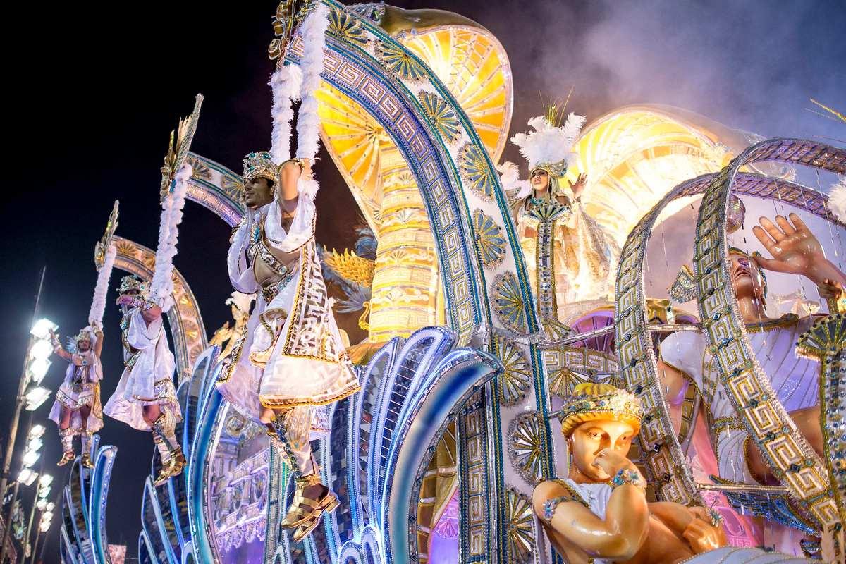 32 - Brazilian Carnival 2014