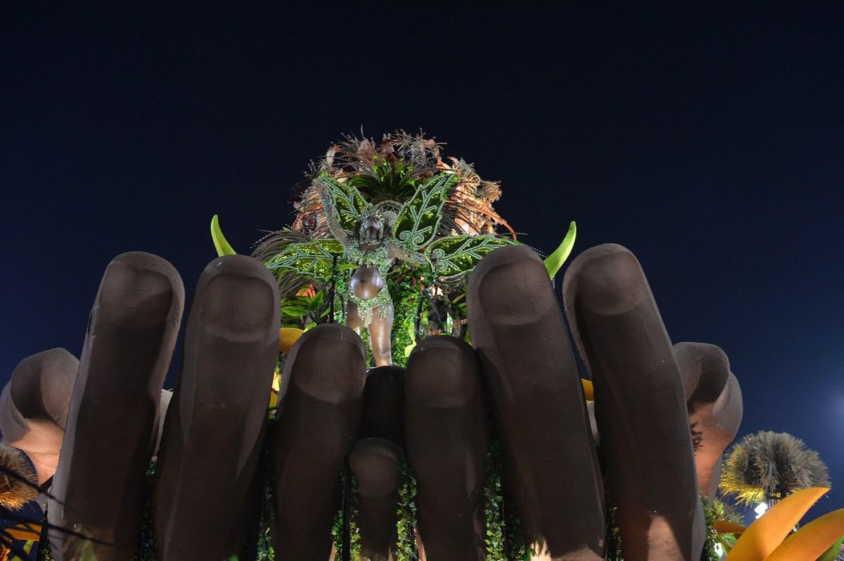 33 - Brazilian Carnival 2014