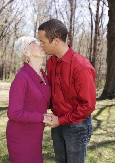 Extreme toyboy 31 takes 91-year-old girlfriend home to meet his mother