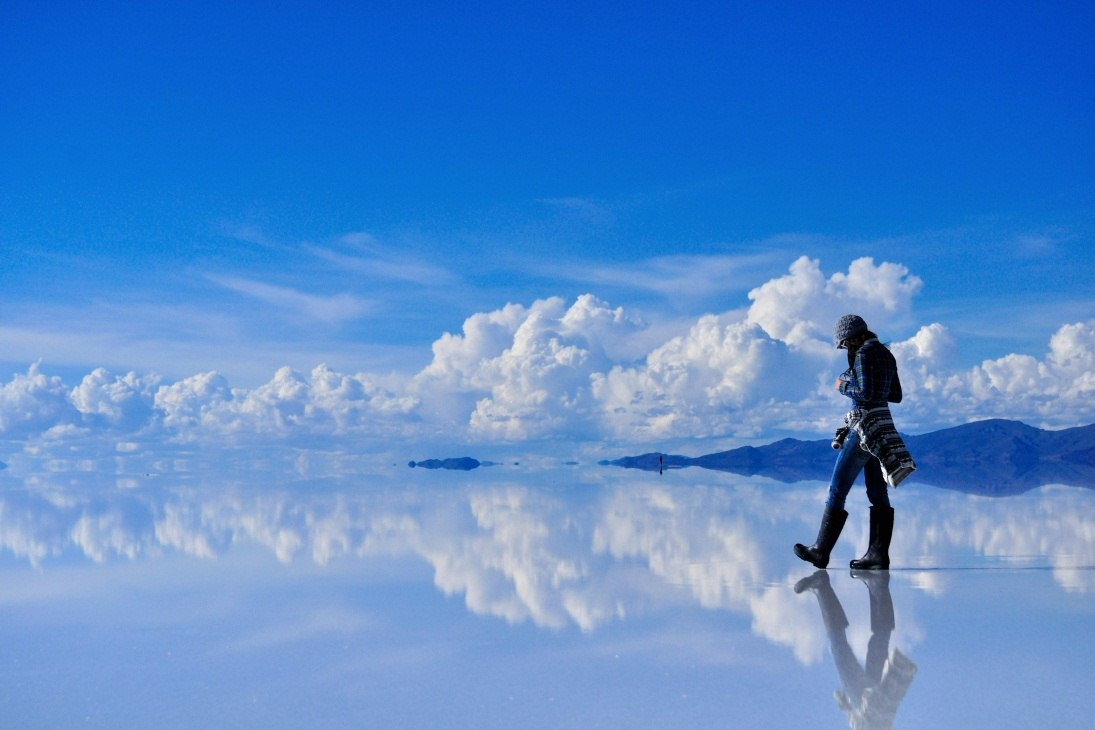 6 -  The ski gets reflected by the perfect surface of this salt flat located in Bolivia