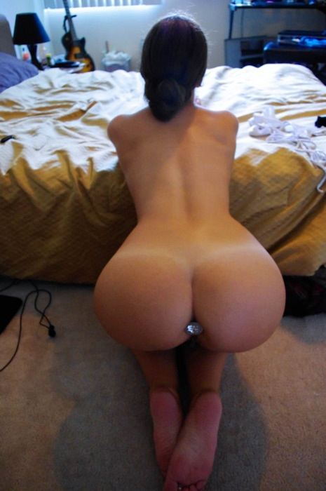Women asses shaped naked heart with
