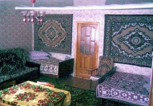 11 - 28 Pics to Prove How Much the Russians Love Their Carpets