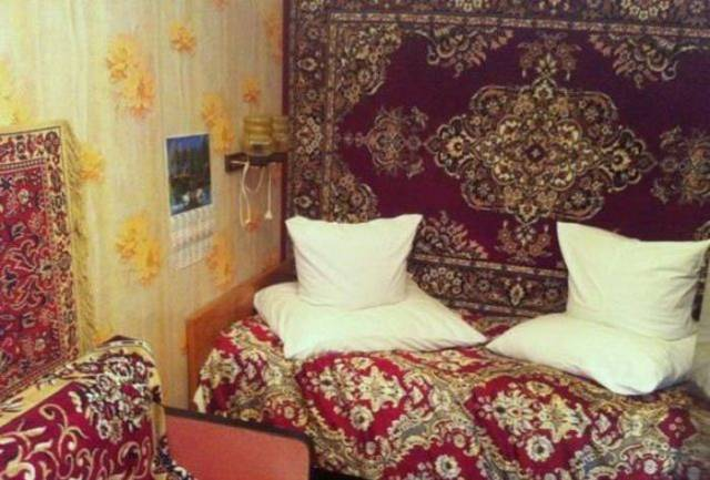 14 - 28 Pics to Prove How Much the Russians Love Their Carpets