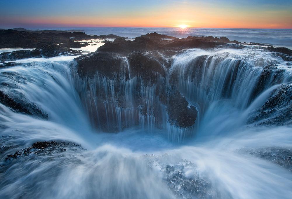 22 - Thor's Well, Oregon