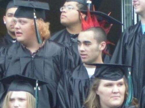 16 - 23 Unusual Graduation Photos That Will Make You Say... WTF?