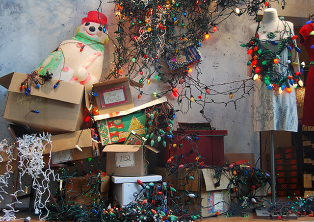 20 Of The Worst.. Or Best Christmas Decorations - Gallery | eBaum's ...