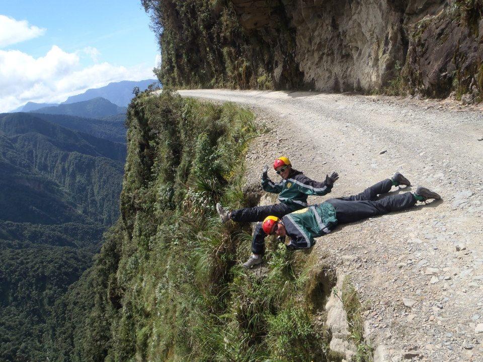 The Worlds Scariest Roads Gallery EBaums World - The 10 scariest roads in the world